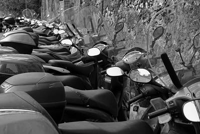Moto-abundancia - Amalfi - Italia