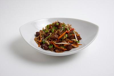 Wok de arroz, vegetales y carne