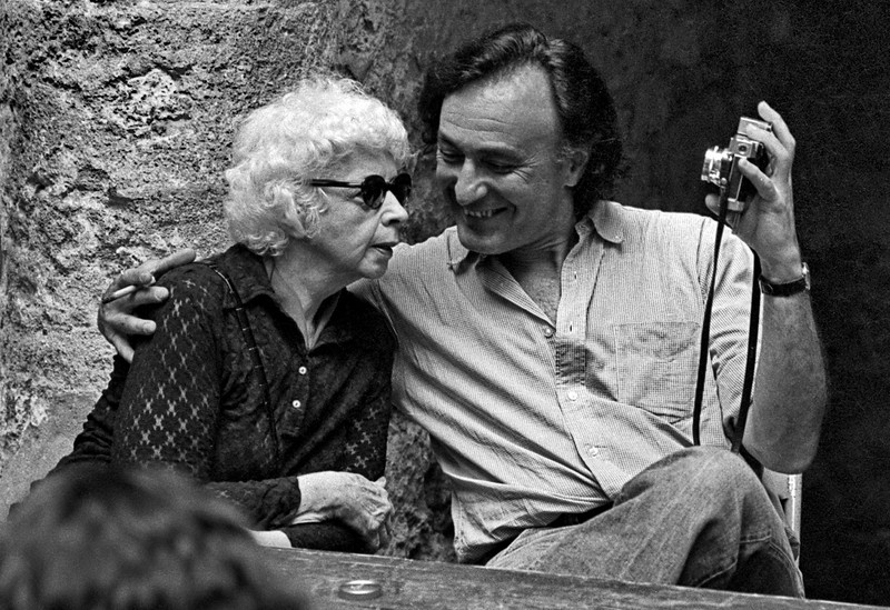 Precursora selfie análoga, William Klein con Lisette Model, Arles 1978