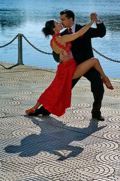 Tango y río 1