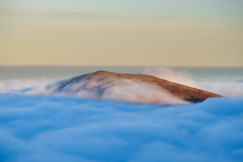 Meall a' Bhuachaille above the clouds