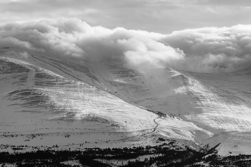 Cairn Gorm ski clouds