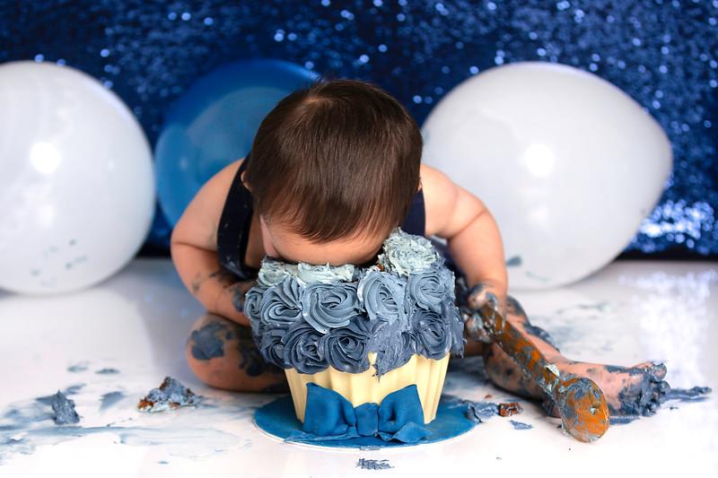 cake smash photography Glasgow Paisley, cake smash photographer Glasgow Paisley, first birthday photography session Glasgow Paisley