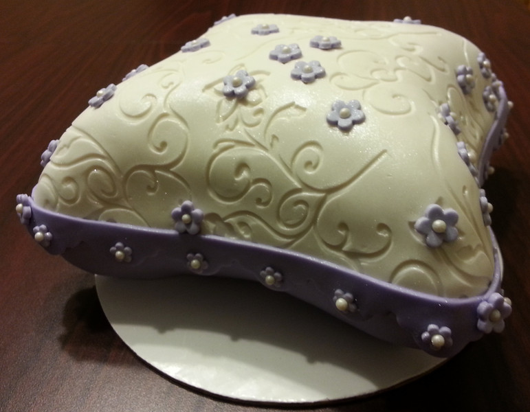 Baby Shower Pillow Cake!