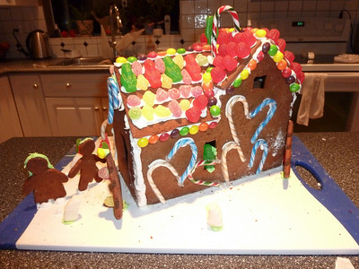 2010 12 12-Gingerbread House 003