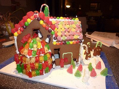 2010 12 12-Gingerbread House 006