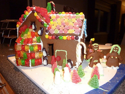 2010 12 12-Gingerbread House 005