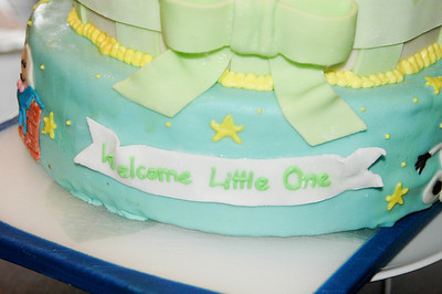 2011 04 10-Baby Shower Cake 005