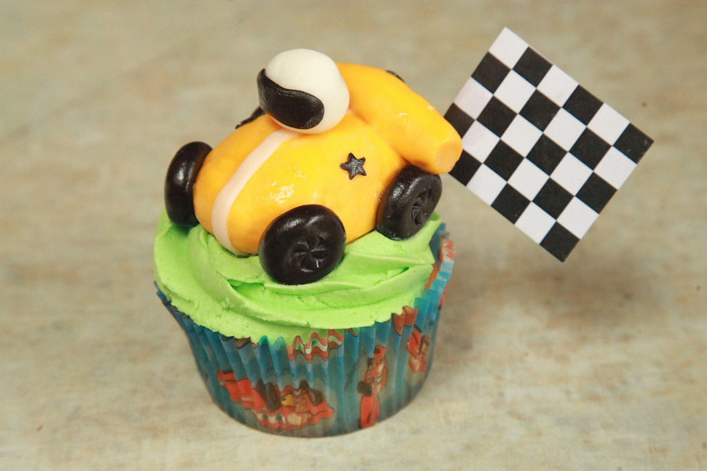 Zander's special cupcake - check out those chocolate fondant wheels! Yum.