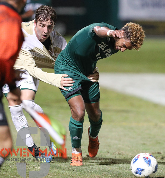 TFW you get some momentum editing photos, but life keeps pullin' you back... Cal Poly Men's Soccer played Sacramento State at Alex G. Spanos Stadium. Photo by Owen Main. 10/17/18 #BigWestMSOC #CalPoly #CollegeSoccer #Foul #WatchTheHands