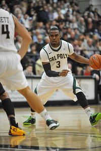 Cal Poly Men's Basketball takes on Long Beach State.Jan. 18, 2014. Photo by Ian Billings