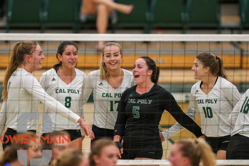 #SquadGoals #22 Cal Poly hosted #9UCLA at Mott Athletics Center in San Luis Obispo. 9/6/187:23:17 PM <br /> <br /> Photo by Owen Main