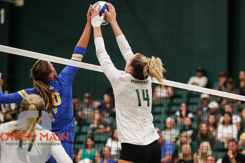 #22 Cal Poly hosted #9UCLA at Mott Athletics Center in San Luis Obispo. 9/6/187:41:55 PM <br /> <br /> Photo by Owen Main
