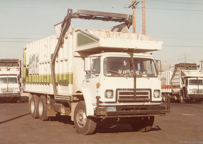 1977 International C&O Top Pack Front Loader