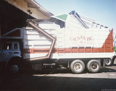 1977 International C&O Half Pack Front Loader
