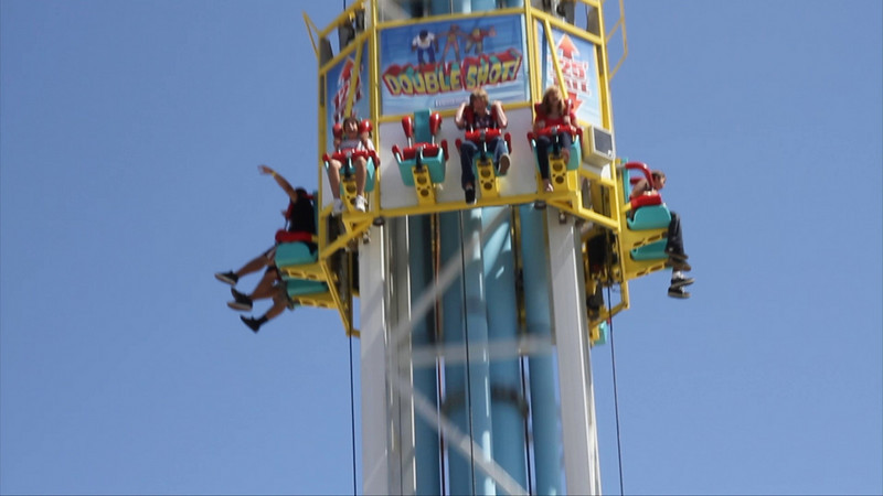Video of Alex and Megan on a ride at the Santa Cruz boardwalk...shooting up 125 feet then dropping straight down.<br>(This can be viewed in Full HD if you have a fast connection and a large, wide monitor)