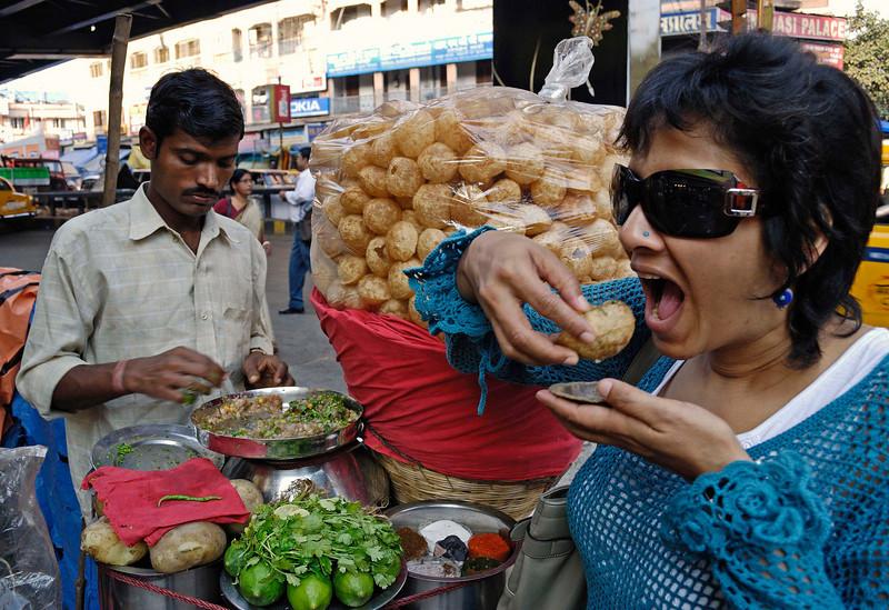 Phuchka seller, Gariahat