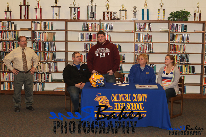 2013 Cole Signs to Play Football_0032