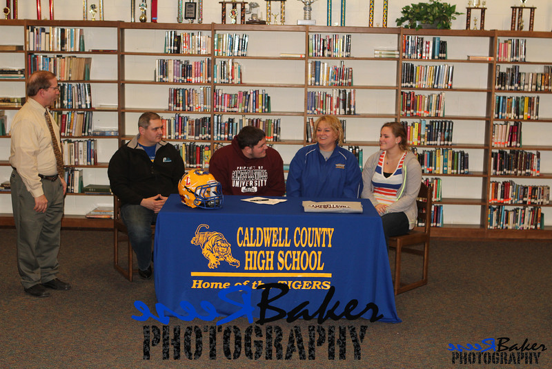 2013 Cole Signs to Play Football_0030