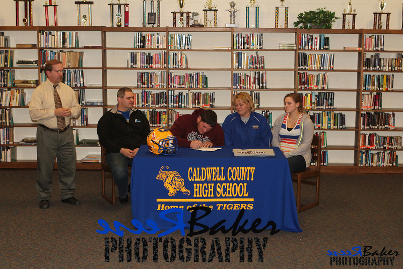 2013 Cole Signs to Play Football_0027
