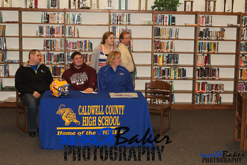 2013 Cole Signs to Play Football_0012