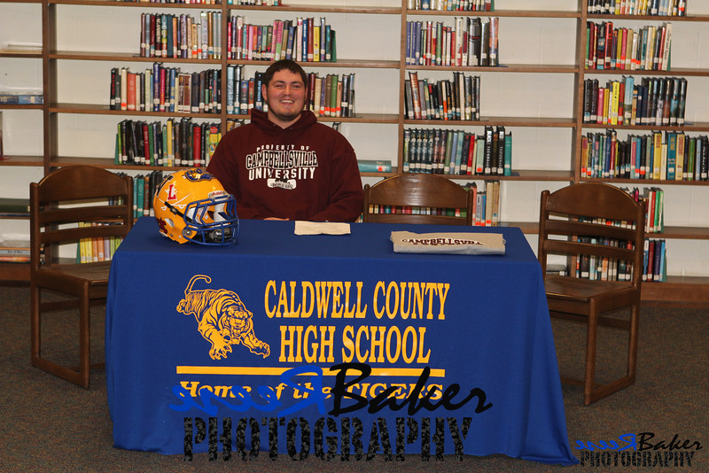 2013 Cole Signs to Play Football_0008