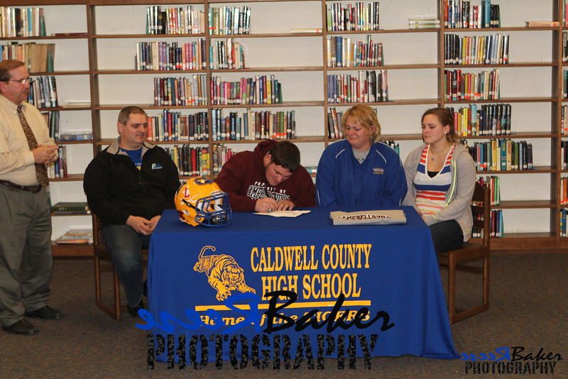 2013 Cole Signs to Play Football_0026