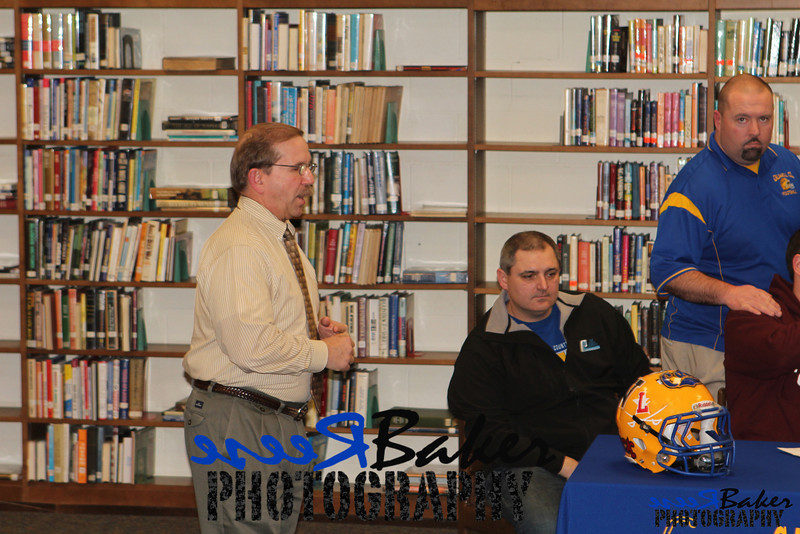 2013 Cole Signs to Play Football_0022