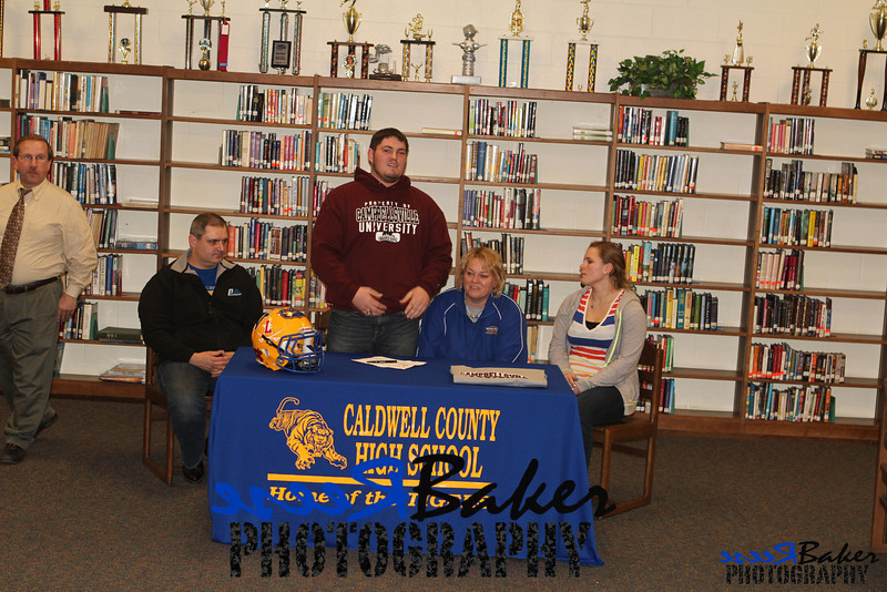 2013 Cole Signs to Play Football_0031