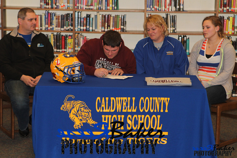 2013 Cole Signs to Play Football_0029