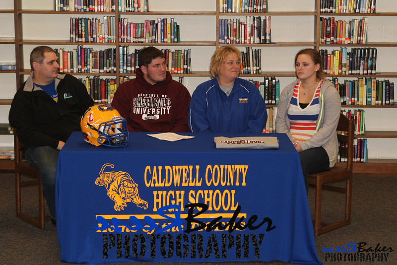 2013 Cole Signs to Play Football_0025