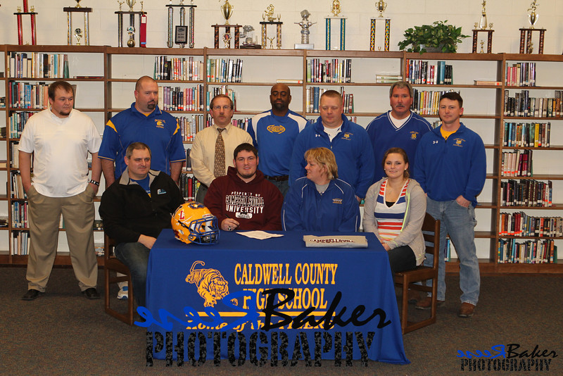 2013 Cole Signs to Play Football_0021