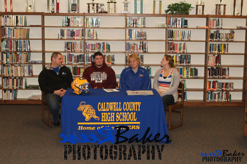 2013 Cole Signs to Play Football_0033