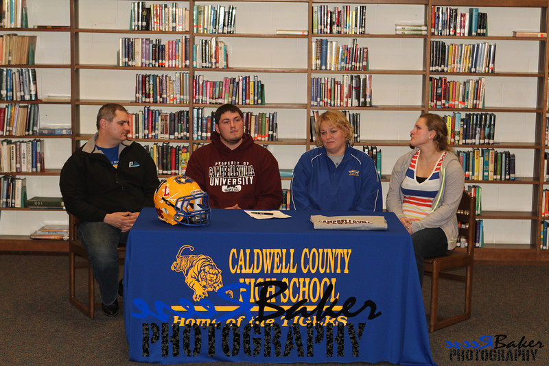 2013 Cole Signs to Play Football_0034