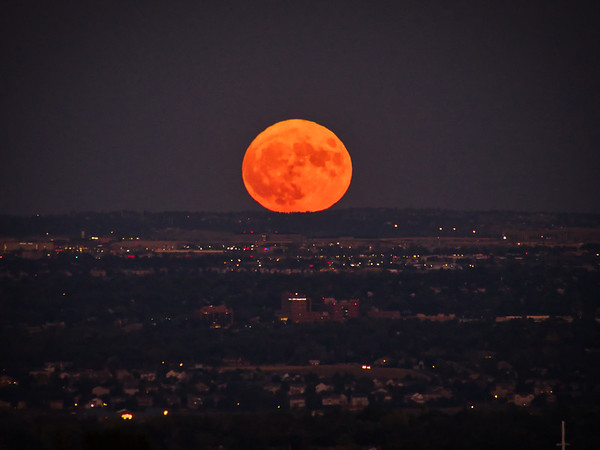 Full Moon Rising in Denver CO