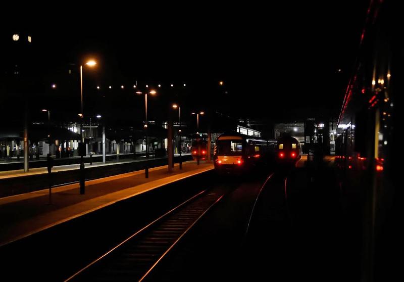92033, 1M16, Edinburgh Waverley, Sat 30 May 2015 - 0144.  Setting off for Euston.