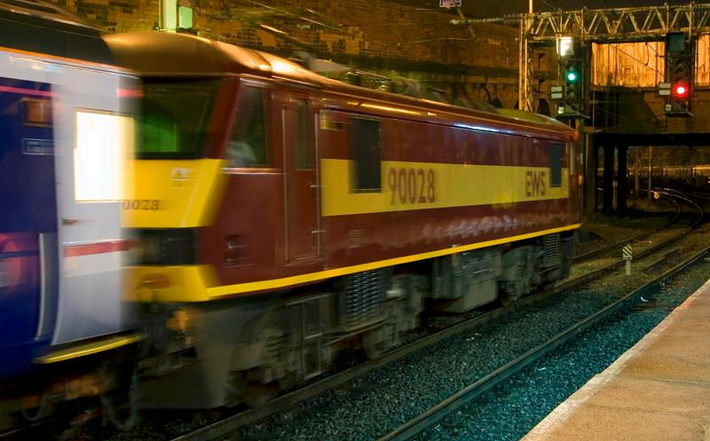 90028, 1S26, Preston, Mon 8 October 2007 - 0335.  The sleeper gets away to Edinburgh and Glasgow.