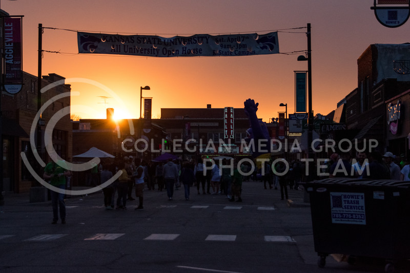 As the sun sets over Aggieville, the crowds of party goers keep flowing into local bars and restaurants. (Alex Todd | Collegian Media Group)