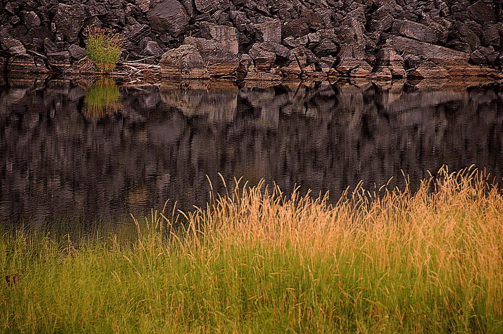 SWAN RIVER QUIET WATERS