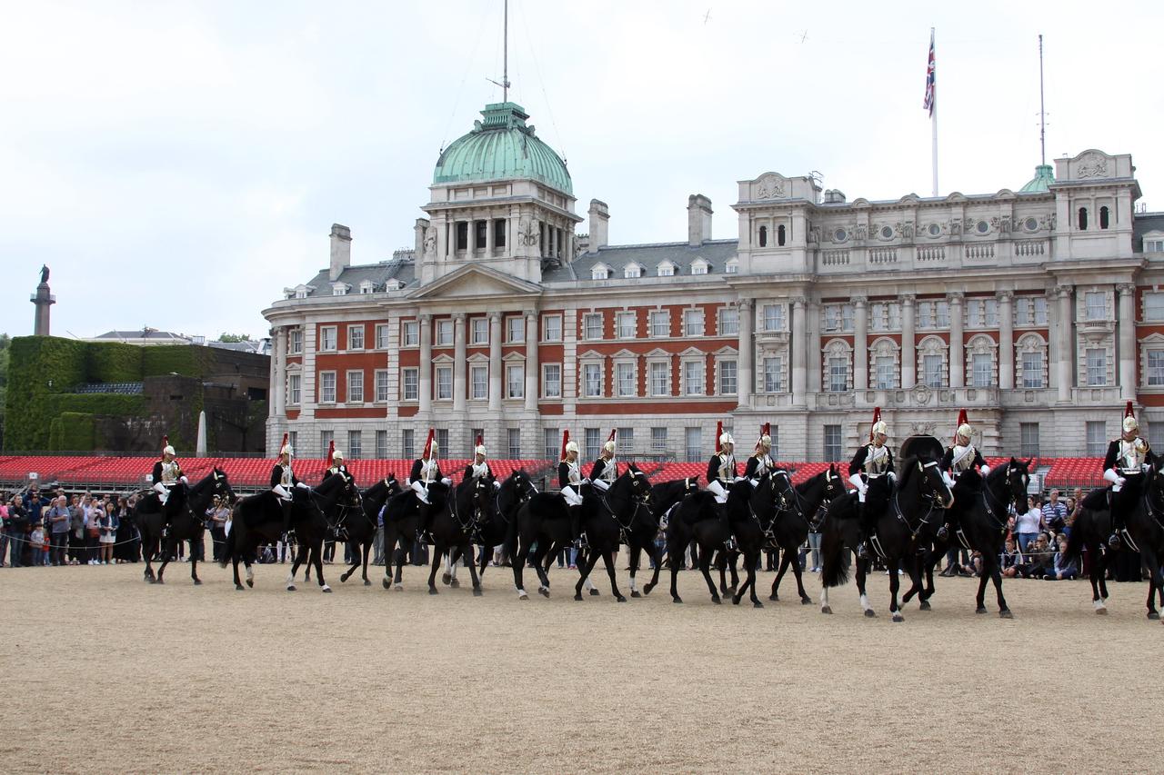 7_June_IMG_7402_palace_horses