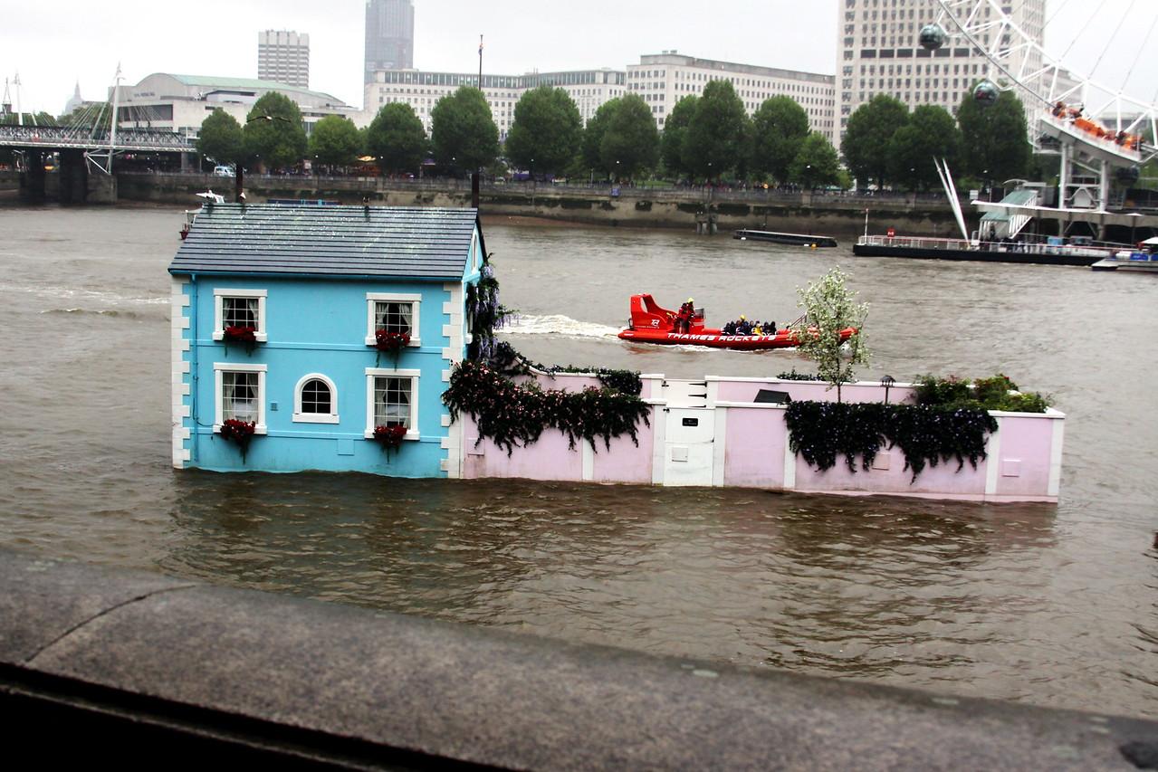 5_April_IMG_7467_House_boat