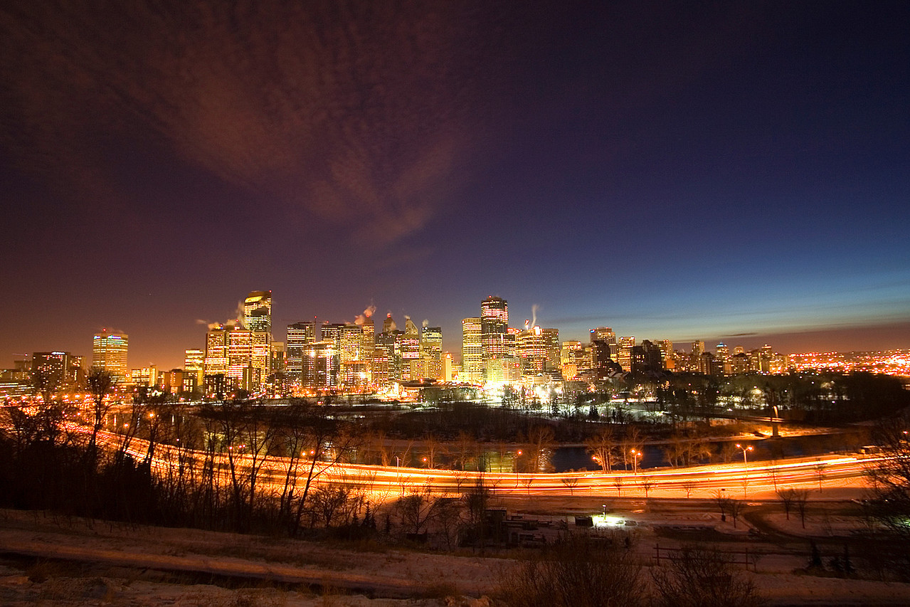 View from Crescent Heights.  The camera seized 2 times after being out in the cold air (-12 Celsius) after a few minutes.  My buddy with the much fancier Nikon D2X had no problems.