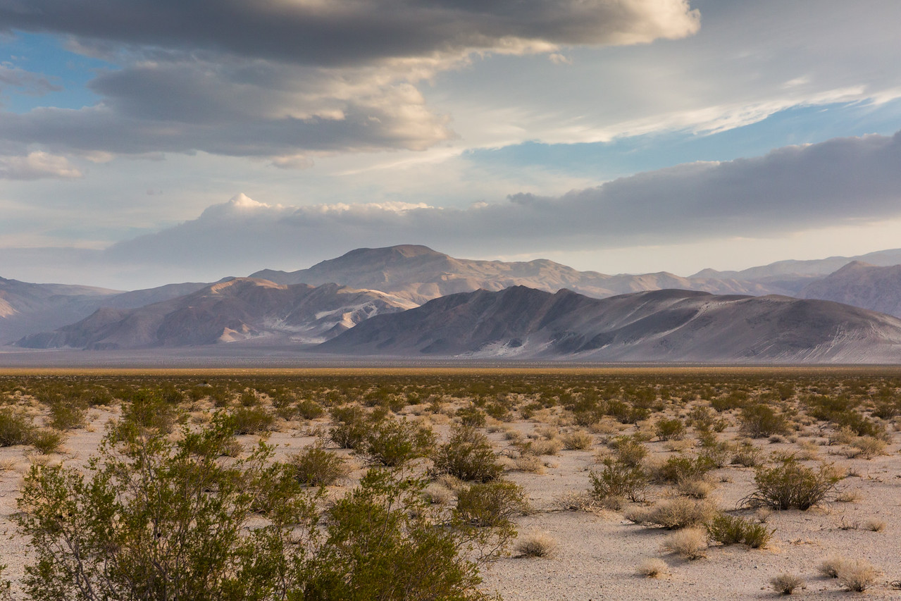 Desert Mountains, Dynamic Light and Clouds