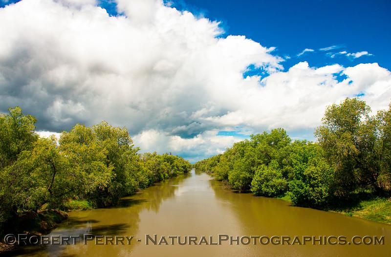 clouds storm Colusa Basin Drainage Canal 2020 05-18 Colusa Cnty-b-180