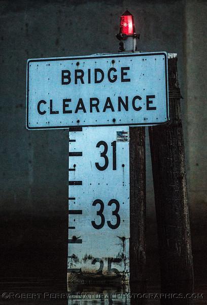 channel depth marker Tower Park Bridge-2016 11-05 Delta – Lodi--007