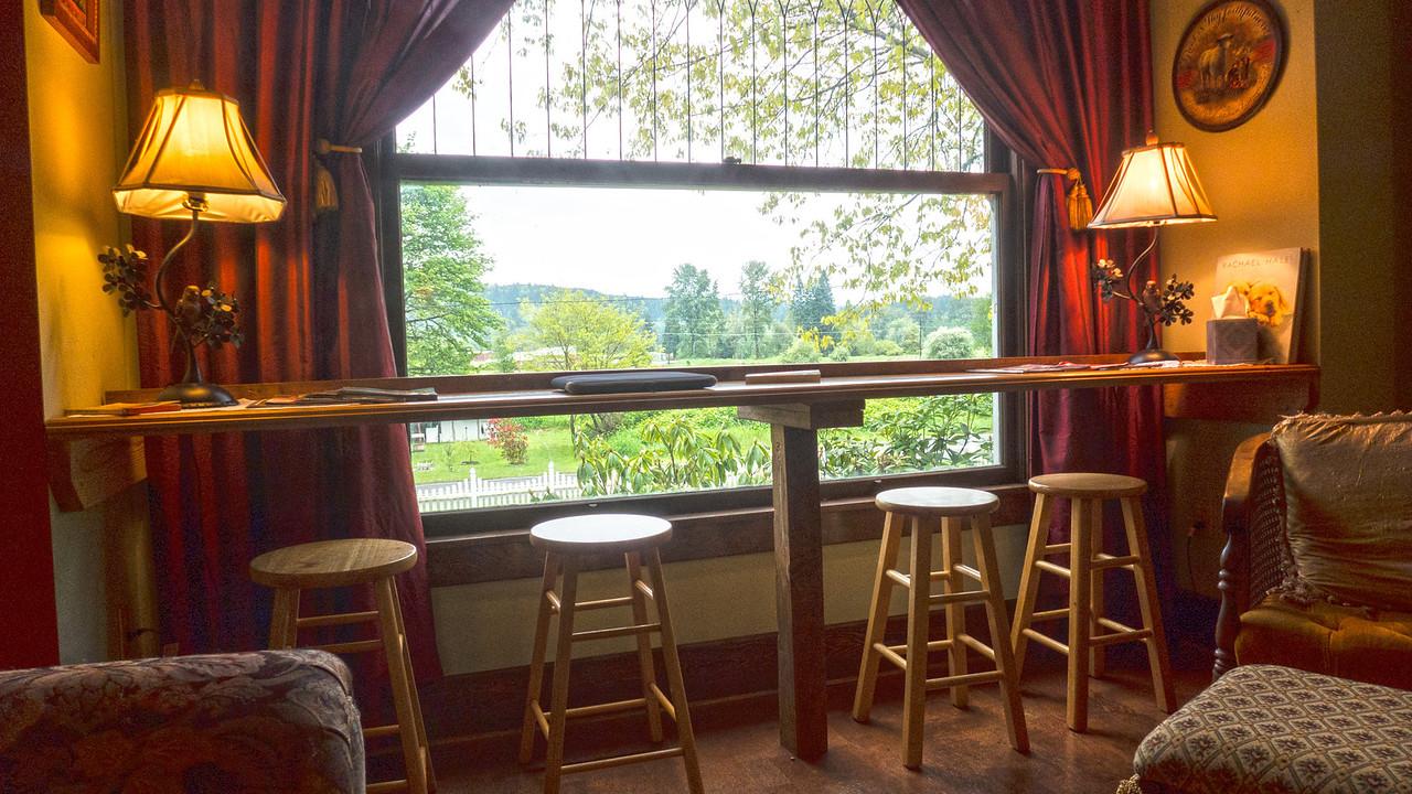 Lookin Out on the Rain - Hampton Creek Inn