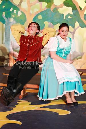 DebbieMarkhamPhoto-High School Play Beauty and the Beast221_