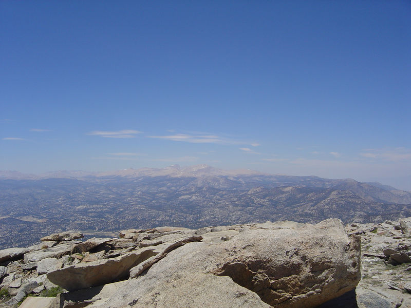 Looking north from the summit toward Langley and Whitney (July 14, 2005).