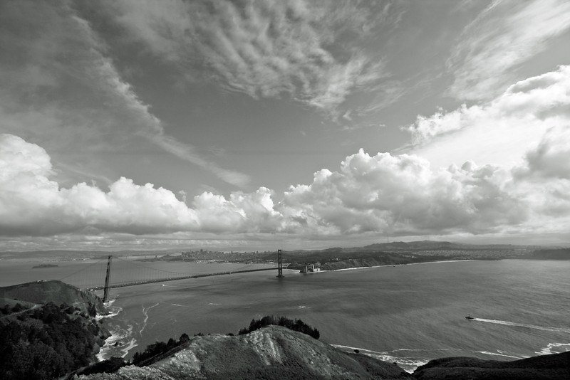 Boats Approaching Golden Gate, BW Version