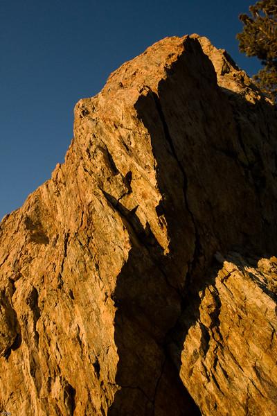 Top of big boulder at the Minaret Vista viewing point parking lot